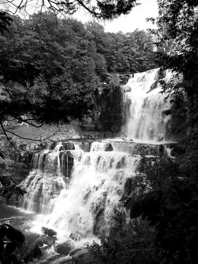 Chittenango baja vista lateral con el filtro blanco y negro imagen de archivo