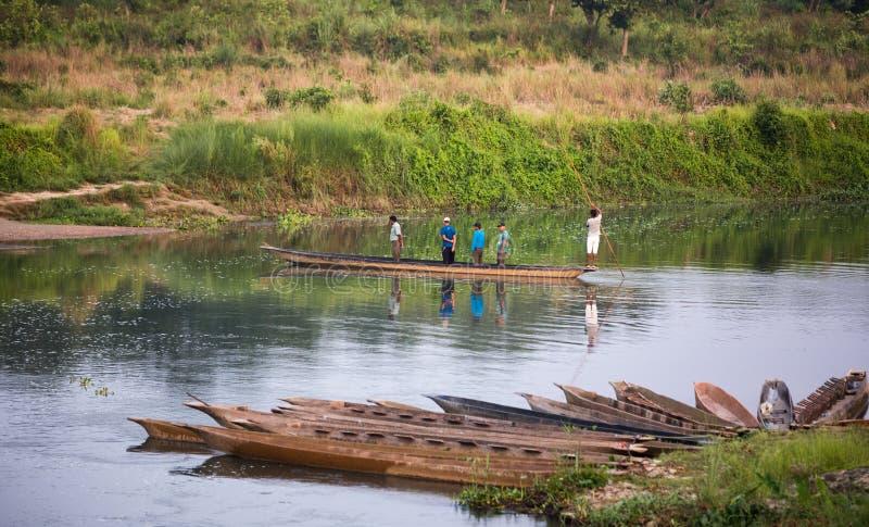 Chitwan,尼泊尔,徒步旅行队小船 库存图片