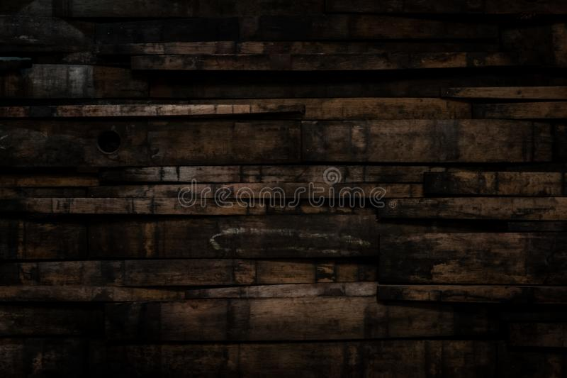 Chiuda su del barilotto Stave Wall With Vignette di Bourbon immagine stock