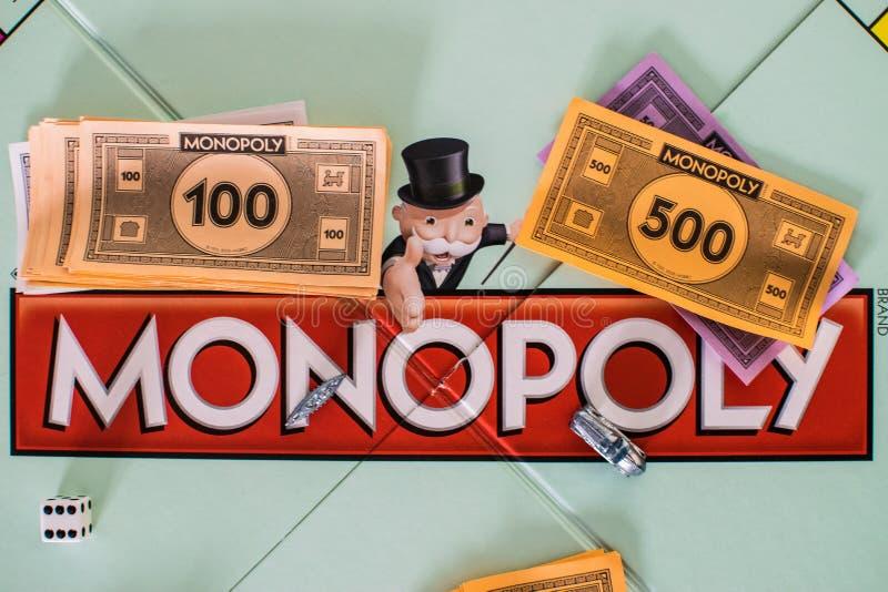 Chiuda su del bordo di monopolio fotografia stock