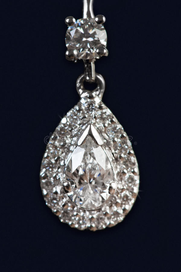 Chiuda in su della collana di diamante fotografia stock