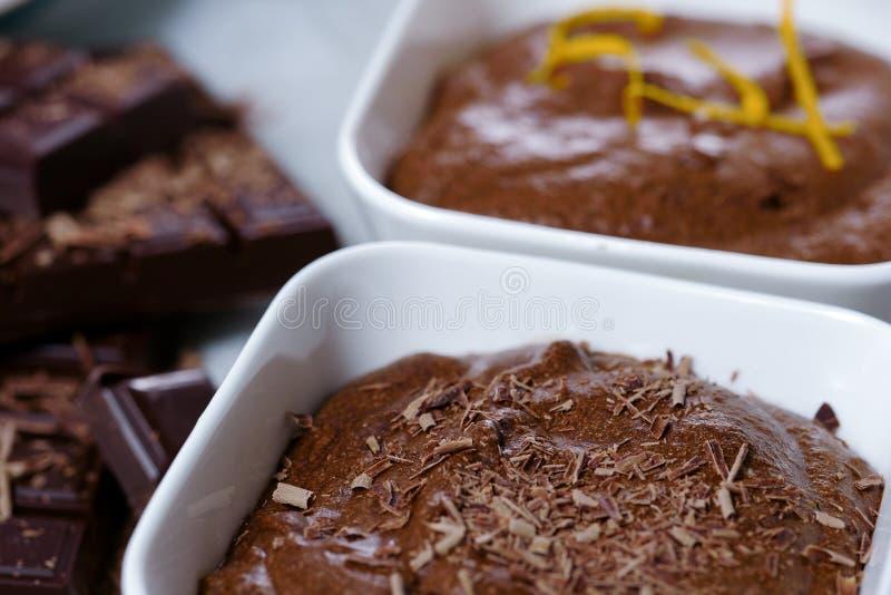 Chiuda su della mousse di cioccolato fondente fotografia stock libera da diritti