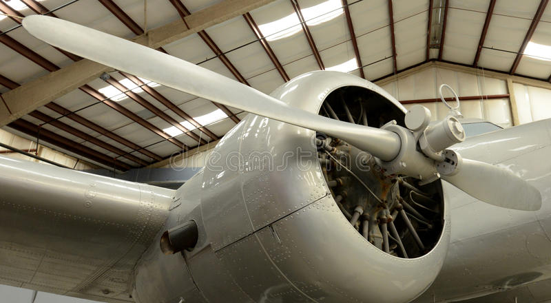 Chiuda su delle eliche dell'aeroplano immagini stock libere da diritti