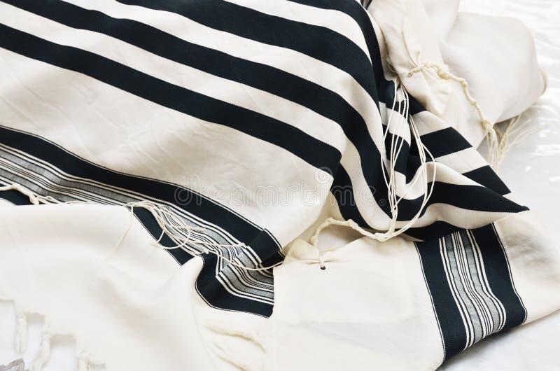 Chiuda in su dello scialle di preghiera - Tallit fotografie stock