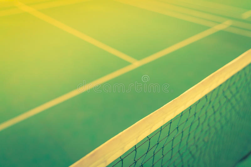 Chiuda su di rete nel campo da badminton (Immagine filtrata elaborata fotografia stock