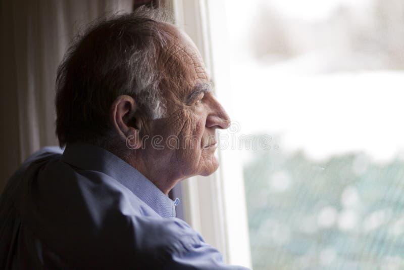 Chiuda su di un uomo senior fotografia stock libera da diritti