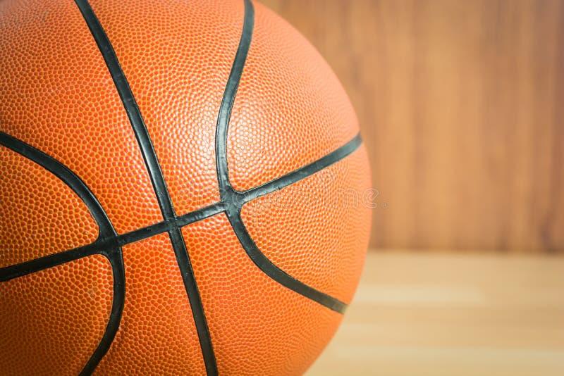 Download Chiuda su pallacanestro fotografia stock. Immagine di nero - 55359752