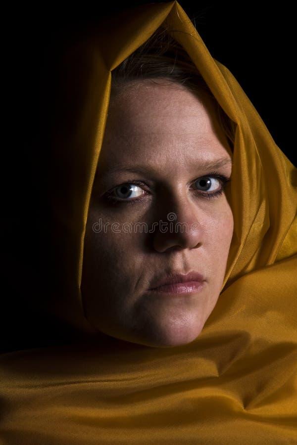 Chiuda in su su una donna in velare immagine stock libera da diritti