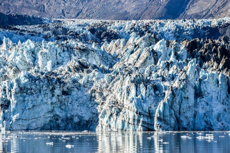 Chiuda su sul ghiacciaio di Johns Hopkins nell'Alaska fotografia stock libera da diritti