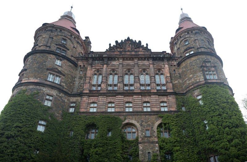 Chiuda su sulle torri del castello di Ksiaz immagine stock libera da diritti