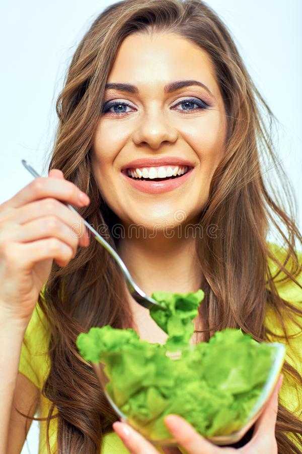 Chiuda sul ritratto del fronte della donna per il concetto femminile di dieta sana fotografia stock libera da diritti