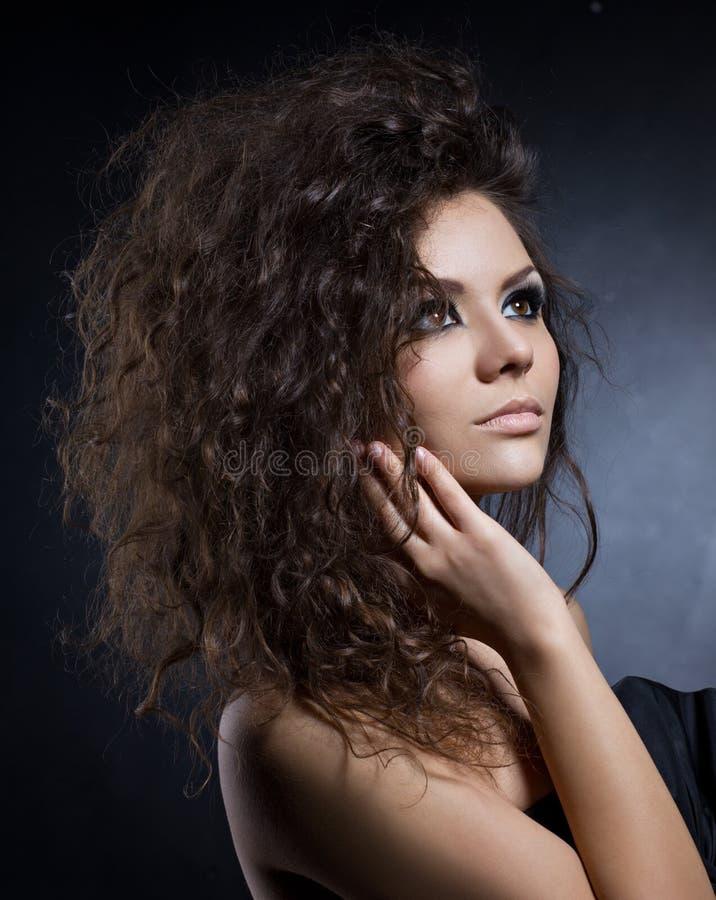 Chiuda sul ritratto di bella ragazza fotografie stock