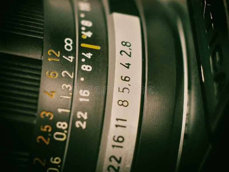 Chiuda sul vecchio d'annata del lense della foto retro immagini stock