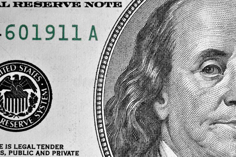 Chiuda sulla banconota in dollari fotografia stock