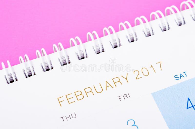 Chiuda sulla pagina del calendario del febbraio 2017 fotografia stock