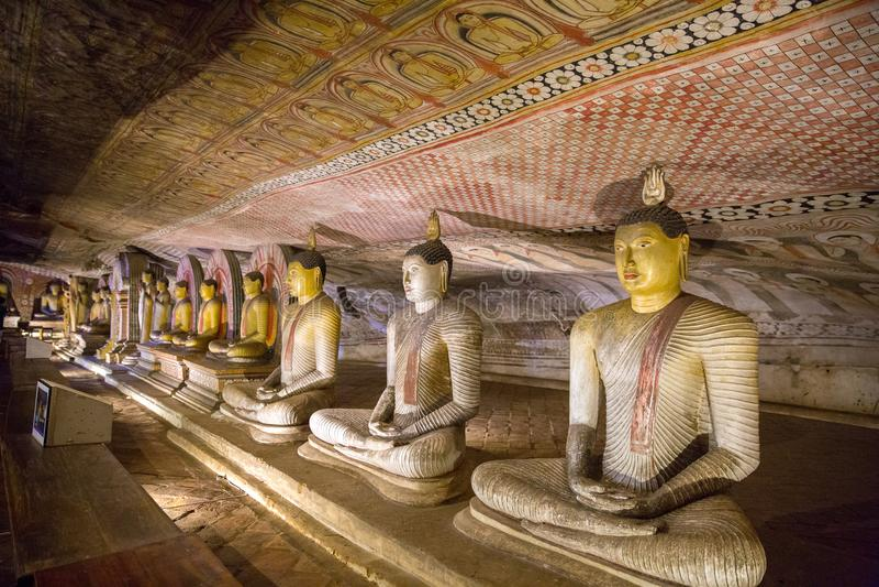chiuda sulla vista dei monumenti religiosi tradizionali antichi in Asia immagini stock libere da diritti
