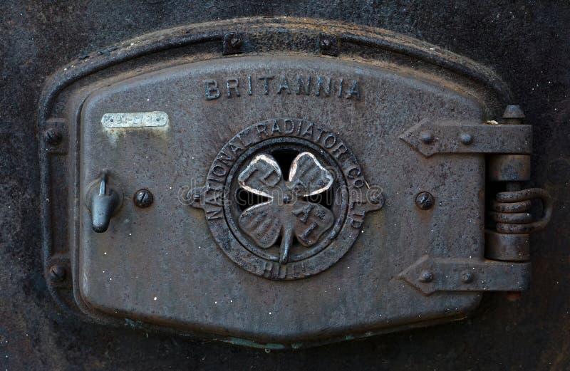 Chiuda sulla vista del radiatore antico fotografia stock