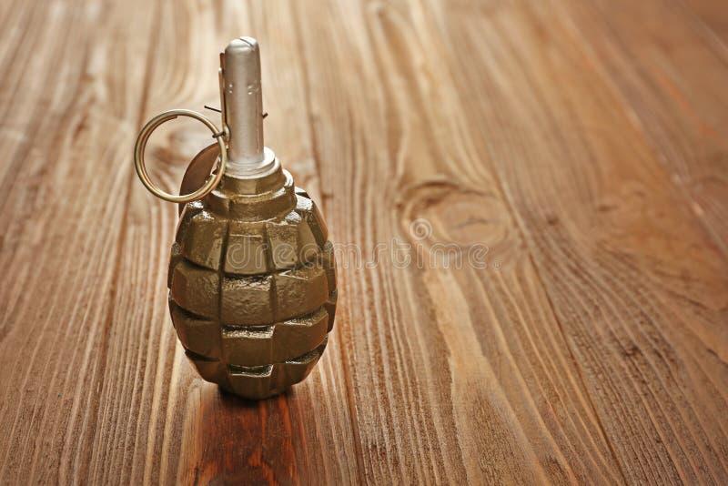 Chiuda sulla vista della granata a mano fotografie stock libere da diritti