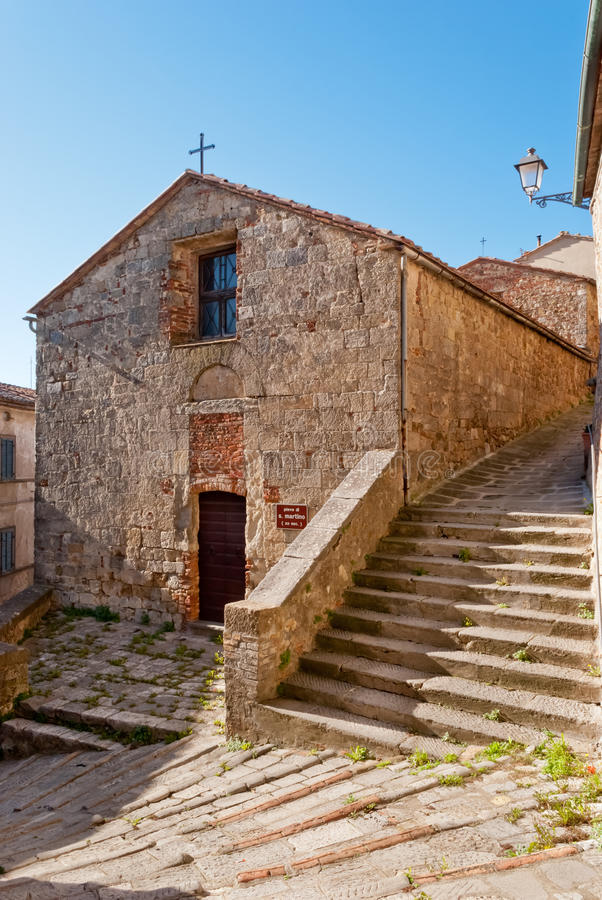 Chiusdino stary kościół, Tuscany zdjęcie royalty free
