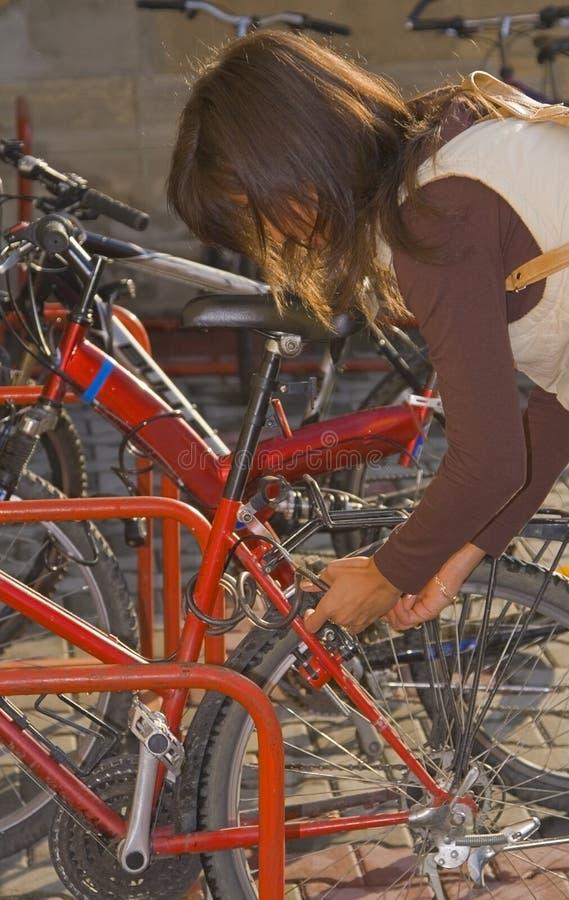 Chiusura della bici a chiave immagine stock