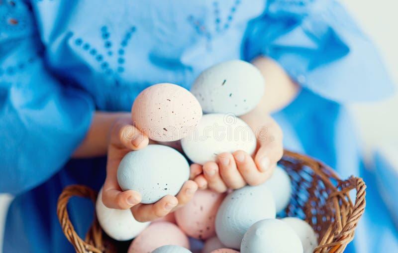 Chiusura delle uova di Pasqua Pasqua felice Decorazione di Pasqua immagini stock libere da diritti