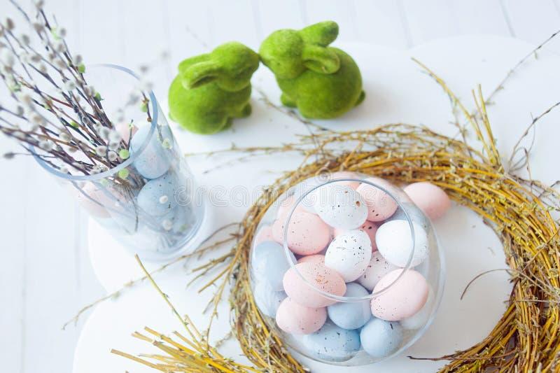 Chiusura delle uova di Pasqua Pasqua felice Decorazione di Pasqua fotografie stock libere da diritti