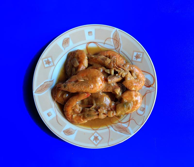 Chiusura di gamberetti in blu cibo tipico di Escuintla, Guatemala fotografie stock libere da diritti