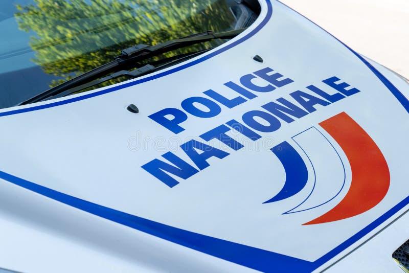 Chiusura di un vignetta di autoadesivo del comune di polizia significa polizia municipale in francese fotografia stock