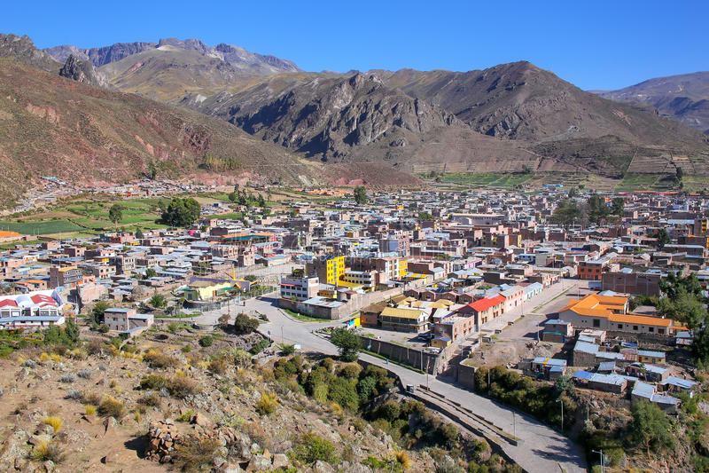 Chivay镇看法从俯视,秘鲁 免版税库存照片