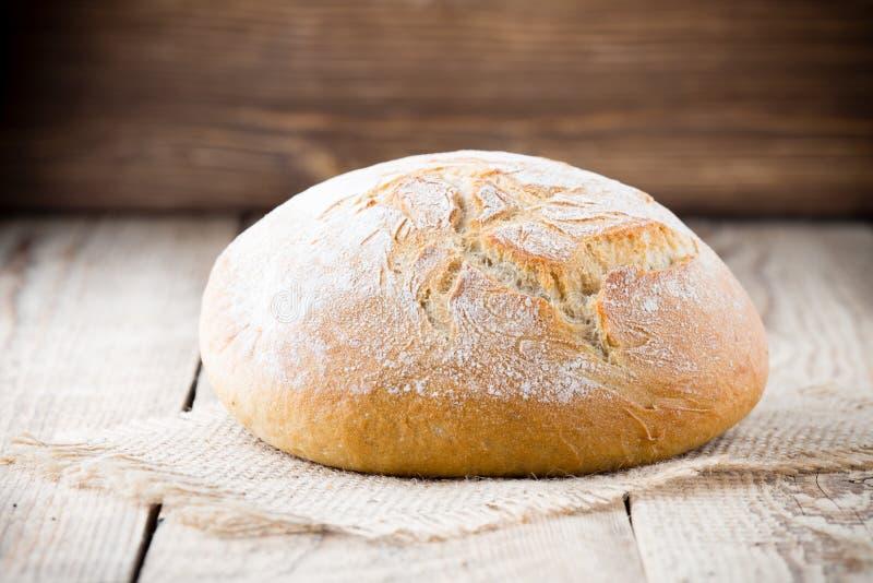 Download Chleb zdjęcie stock. Obraz złożonej z burlap, łasowanie - 41951882