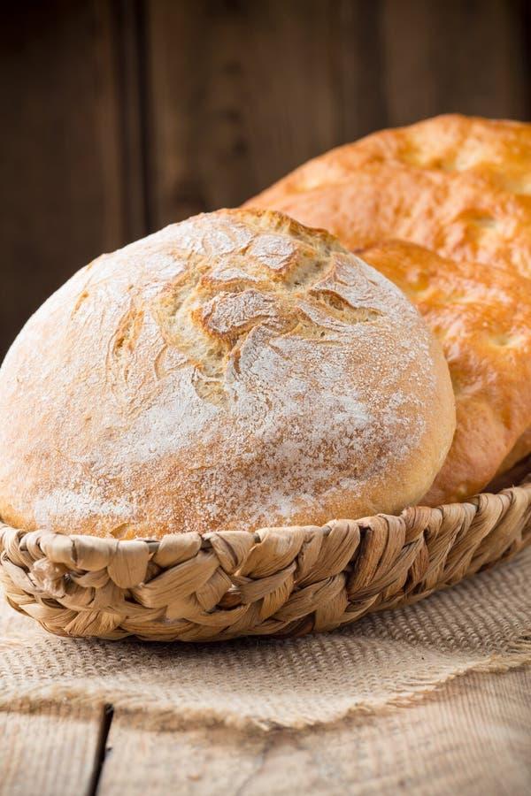 Download Chleb zdjęcie stock. Obraz złożonej z objurgate, wciąż - 41952146