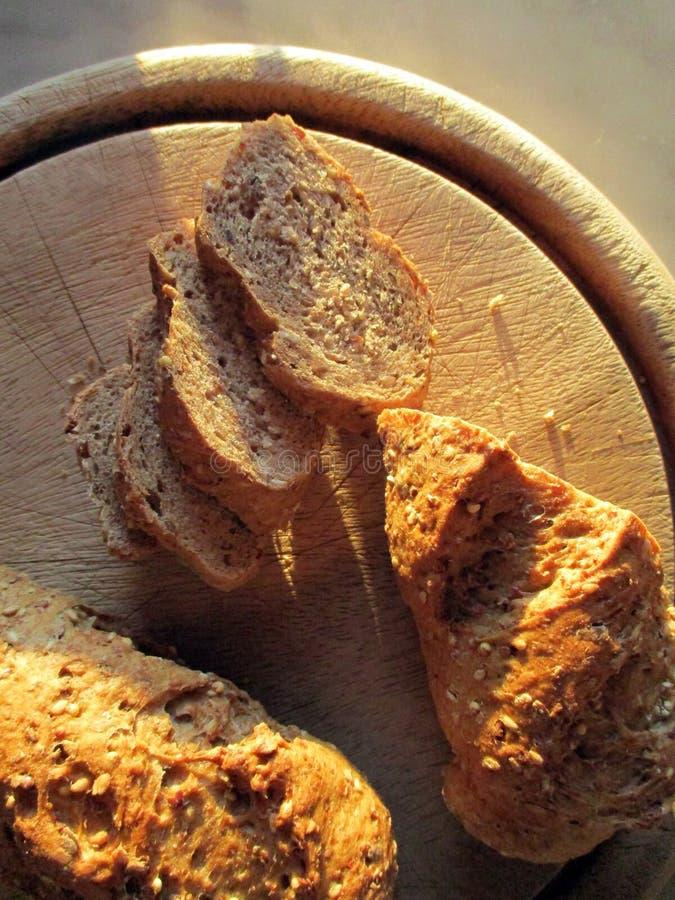 Chleb na talerzu zdjęcie royalty free