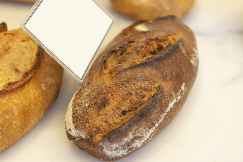 Chleb na targowej półce zdjęcia stock