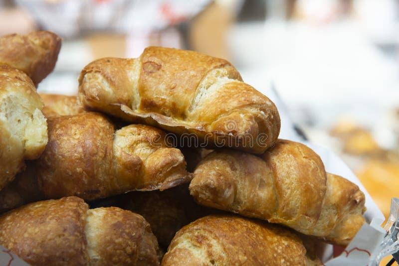 Chleb na targowej półce obrazy stock