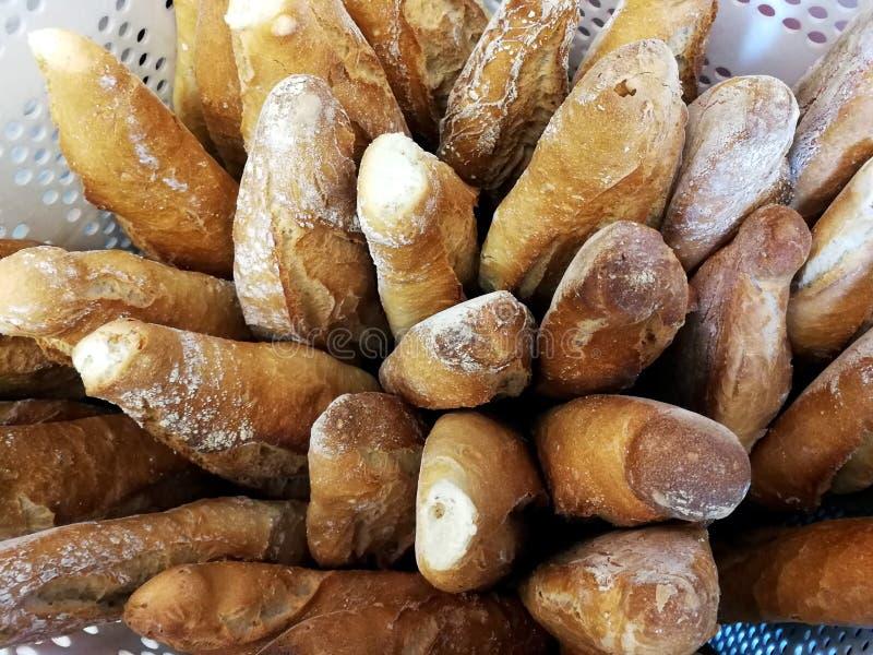 Chleb przy piekarni gablotą wystawową zdjęcia stock