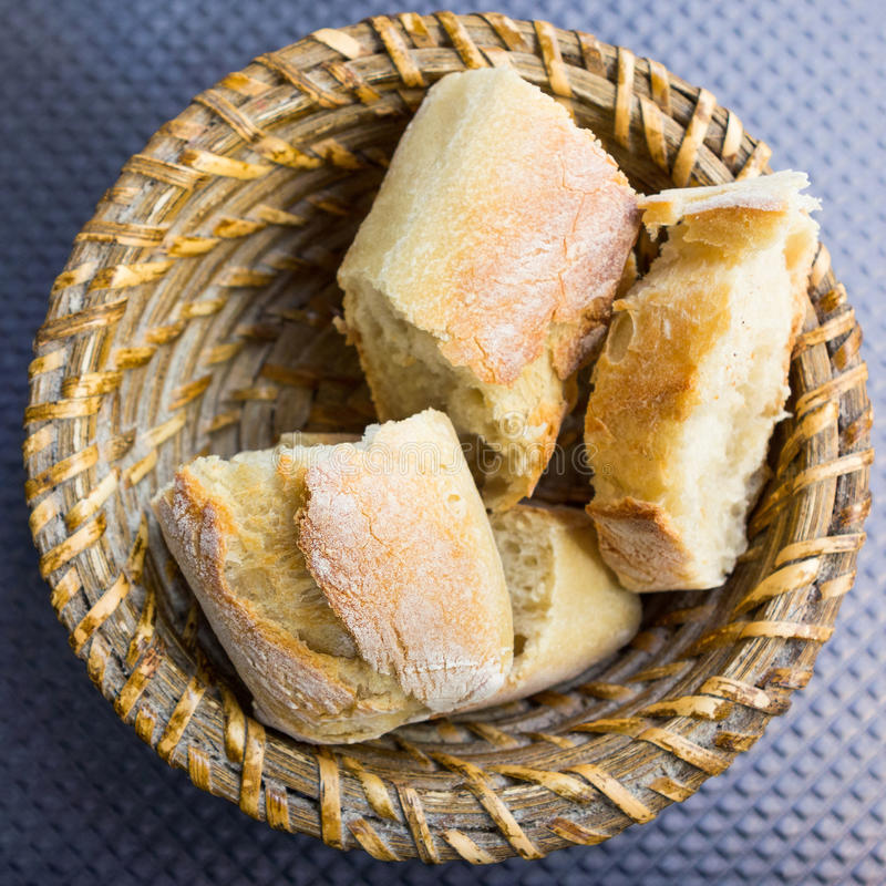 Chleb w koszu zdjęcia royalty free