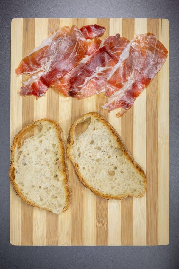 Chlebowy i surowy baleron, perfect dopasowanie obraz royalty free