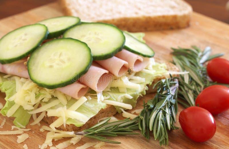 chlebowy otwartej kanapki smakowity wholewheat fotografia royalty free