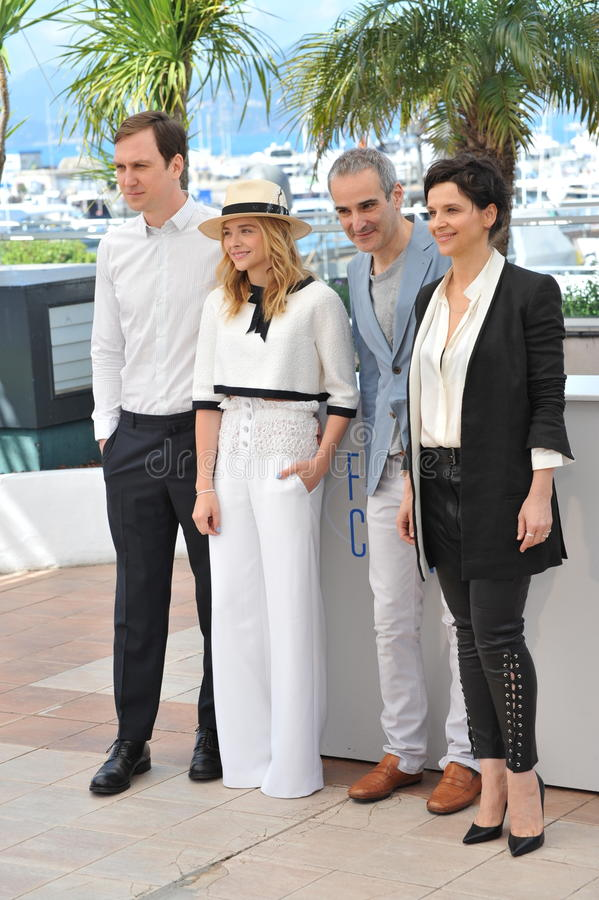 Chloe Grace Moretz & Juliette Binoche & Lars Eidinger & Olivier Assayas stock afbeeldingen