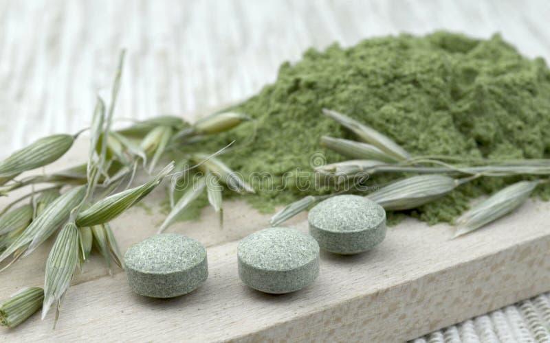 Chlorella vert de detox d'orge photographie stock