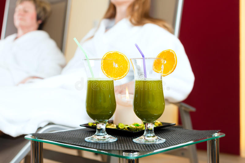 Download Wellness - Chlorophyll-Shake On A Table Royalty Free Stock Photo - Image: 30193615