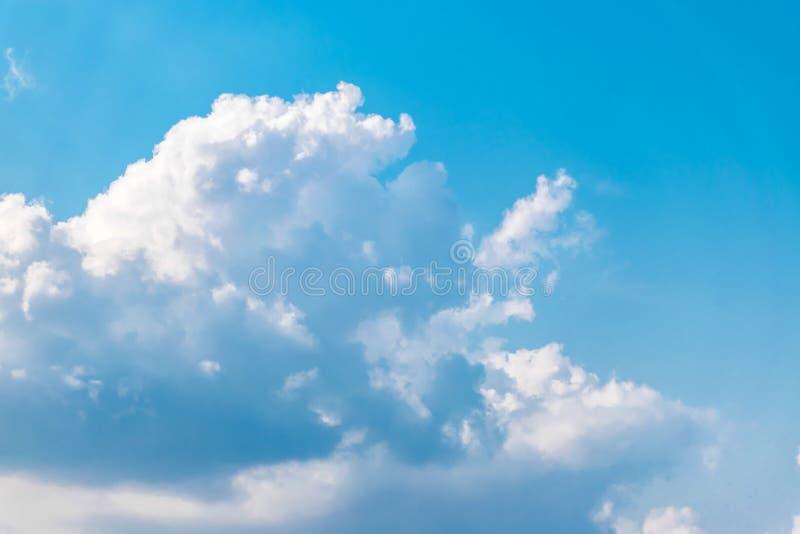 chmura błękitu nieba obraz stock
