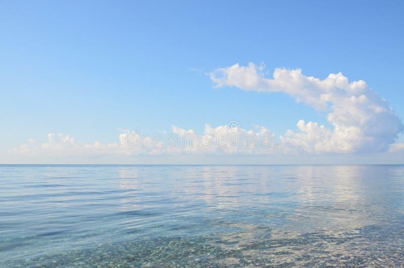 Chmura nad morzem obraz stock