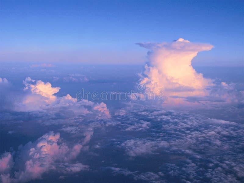 Chmura pionowo rozwój zdjęcia royalty free