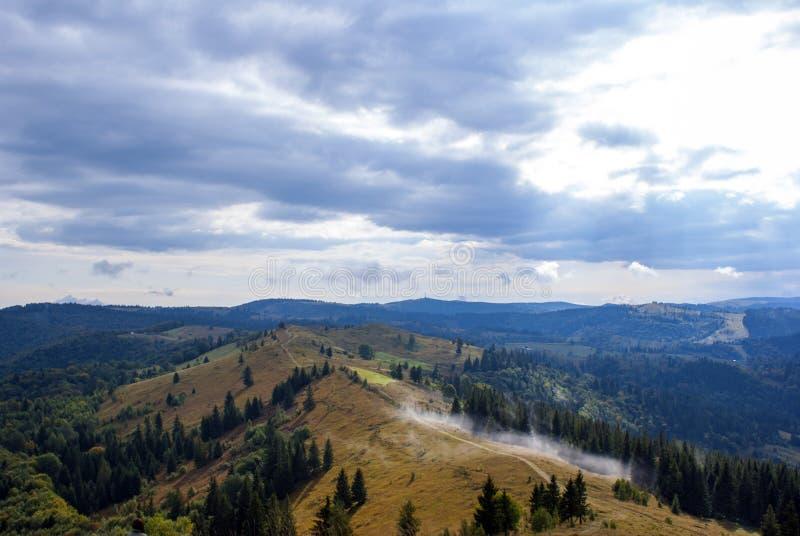 Chmura w Carpathians obraz royalty free