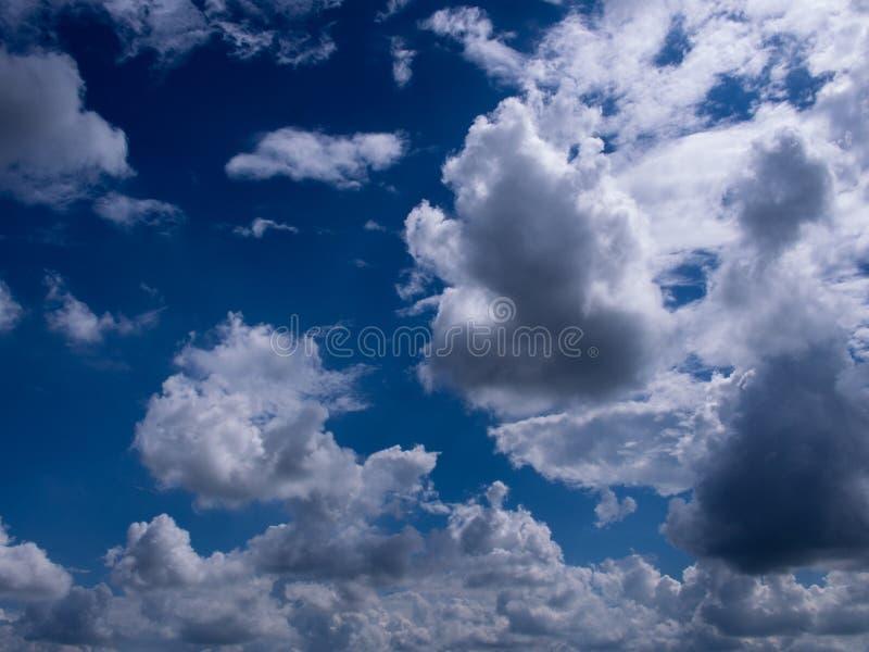 Chmura w niebie zdjęcia royalty free