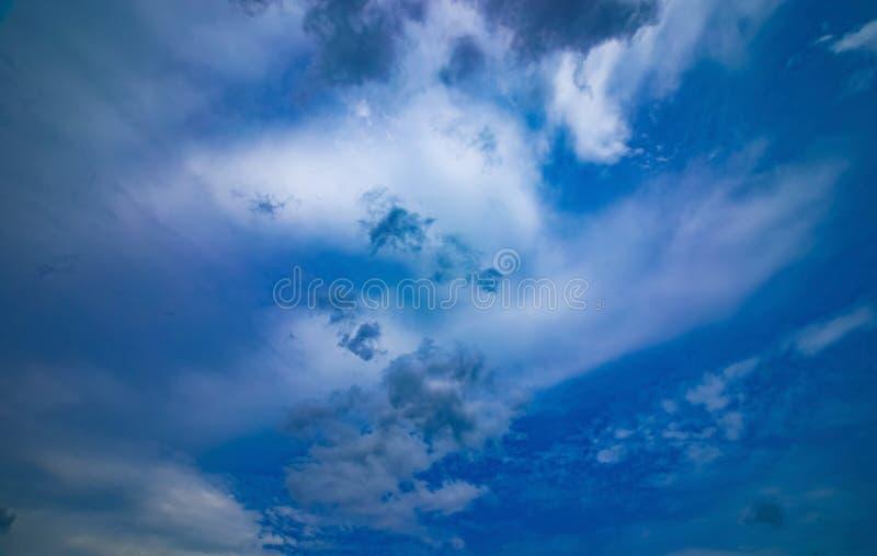 Chmurnego nieba dzień obrazy stock