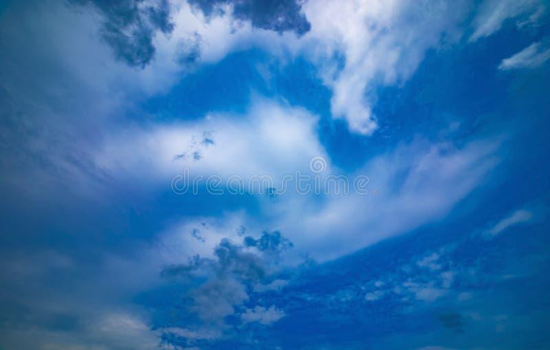 Chmurnego nieba dzień fotografia stock