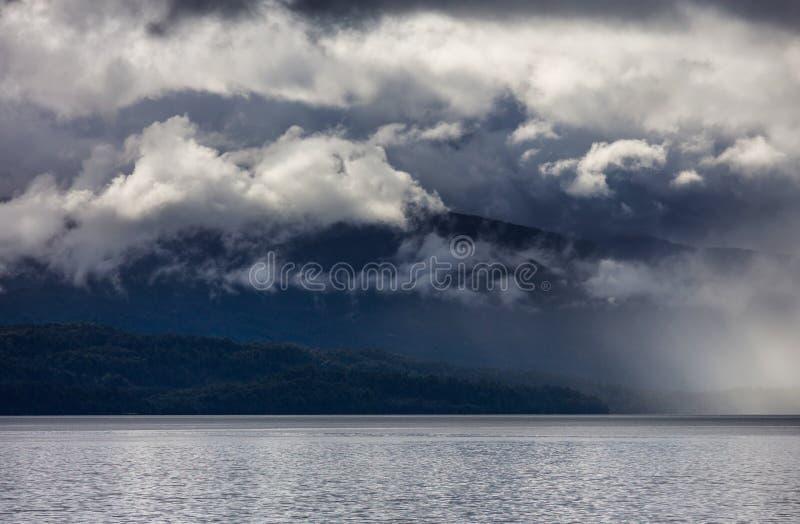 chmurnieje ciemn? dramatyczn? burz? fotografia stock