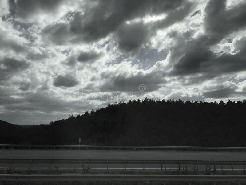 chmurnieje ciemnego niebo fotografia royalty free